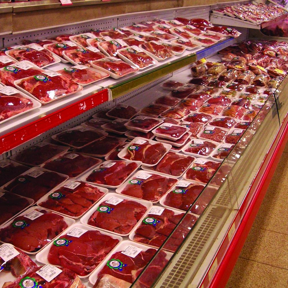 bancone carne di un supermercato